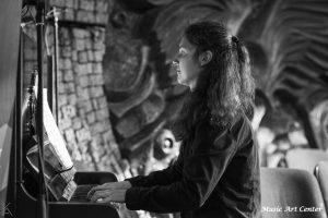 Ивета Гюрнева - пиано